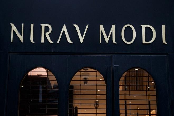 Συνελήφθη ο δισεκατομμυριούχος Ινδός κοσμηματοπώλης των σταρ του Χόλιγουντ