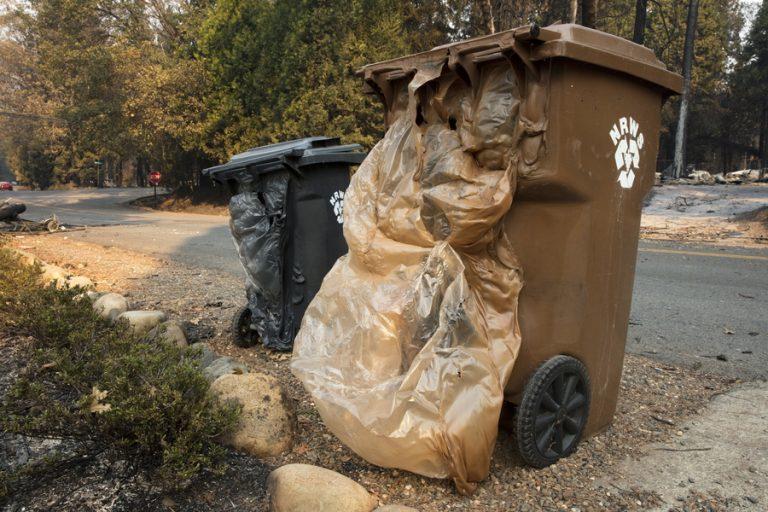 Πώς μια ξαφνική απόφαση της Κίνας μπορεί να γεμίσει σκουπίδια τις ΗΠΑ