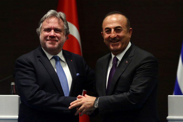 Τετ α τετ Κατρούγκαλου – Τσαβούσογλου στην Τουρκία για όλα τα ανοιχτά θέματα
