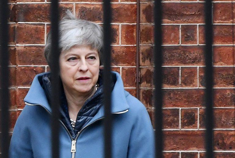 Brexit «ώρα μηδέν», ή αλλιώς μια επικίνδυνη παραλλαγή του «Περιμένοντας τον Γκοντό»