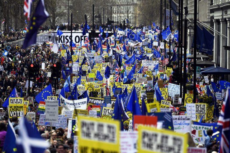 Χιλιάδες Λονδρέζοι στους δρόμους κατά του Brexit