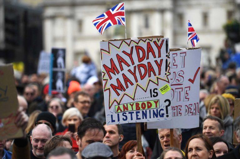 «Πραγματική αλλαγή» στη συμφωνία για το Brexit ζητούν οι Εργατικοί από την Τερέζα Μέι