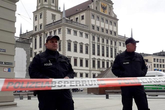 Πυροβολισμοί μπροστά σε συναγωγή στη Γερμανία με δύο νεκρούς