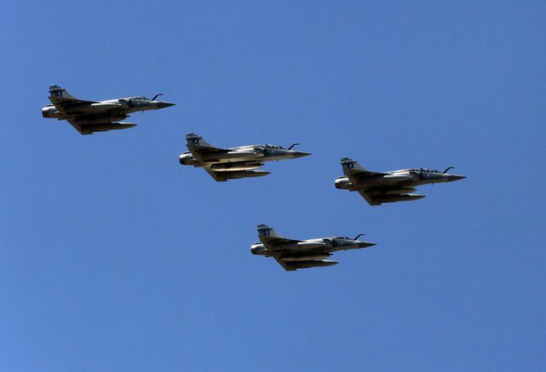 Προκλητική πτήση τουρκικών μαχητικών: Επιχείρησαν να πλησιάσουν το ελικόπτερο που μετέφερε τον Αλέξη Τσίπρα στο Αγαθονήσι