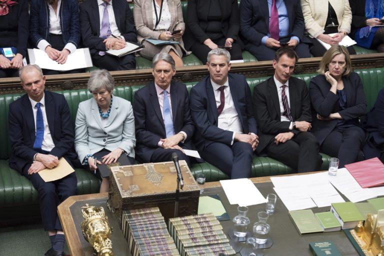 Πρωθυπουργός χωρίς ισχύ: Η βρετανική βουλή πήρε τον έλεγχο του Brexit από την Τερέζα Μέι