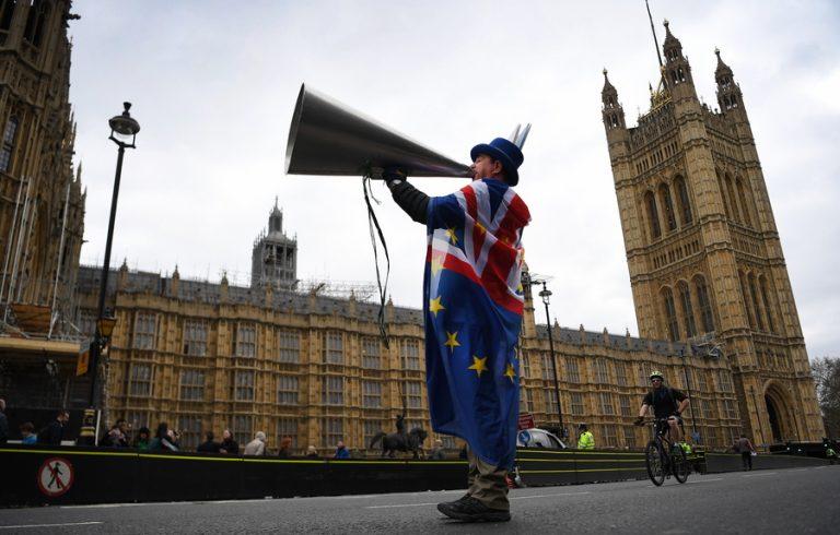 Οι προτάσεις του Μπόρις Τζόνσον για την κρίσιμη ψηφοφορία στη βουλή: Έγκριση του deal με την ΕΕ ή Brexit χωρίς συμφωνία