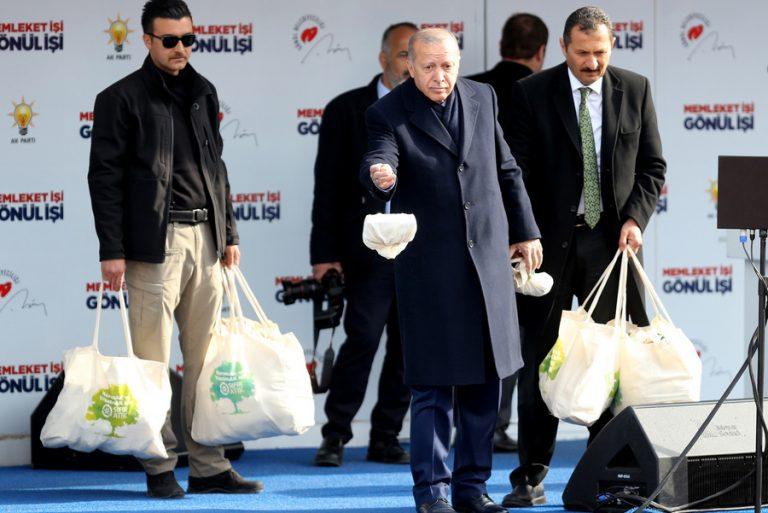 Ο Ερντογάν «χτύπησε» ξανά με αφορμή την κατάρρευση της τουρκικής λίρας