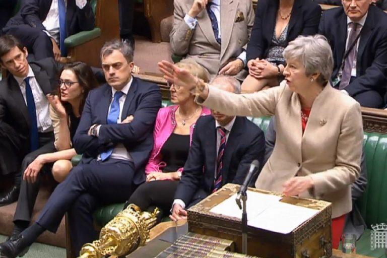 Τρίτο «όχι» των Βρετανών βουλευτών στη συμφωνία του Brexit – Οι επιλογές πλέον μειώνονται δραματικά – Πτώση της στερλίνας
