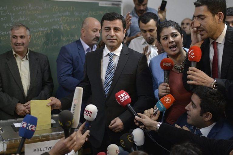 Σελαχατίν Ντεμιρτάς στην DW: «Οδυνηρή ήττα για τον Ερντογάν»