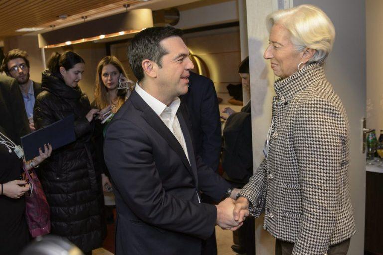 Η Αθήνα εξετάζει πρόωρη αποπληρωμή των δανείων του ΔΝΤ