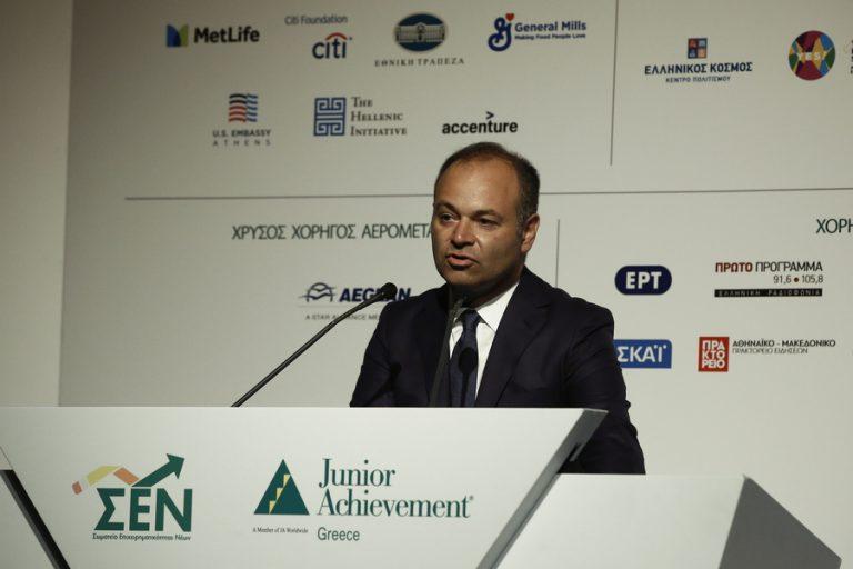 Mάρκος Βερέμης στο Business Monitor: Κατάρα αλλά και προνόμιο το brain drain για την Ελλάδα