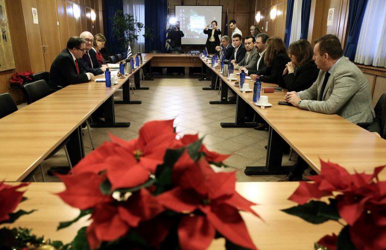 Κοινή γραμμή για να αποφύγει τα χειρότερα από τον εμπορικό «πόλεμο» ΗΠΑ-ΕΕ ετοιμάζει η Ελλάδα