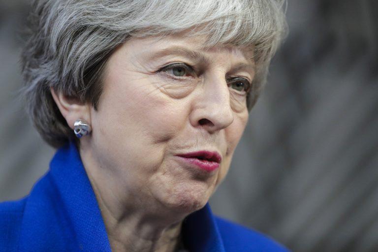 Το 82% των Βρετανών Συντηρητικών θέλει την παραίτηση Μέι