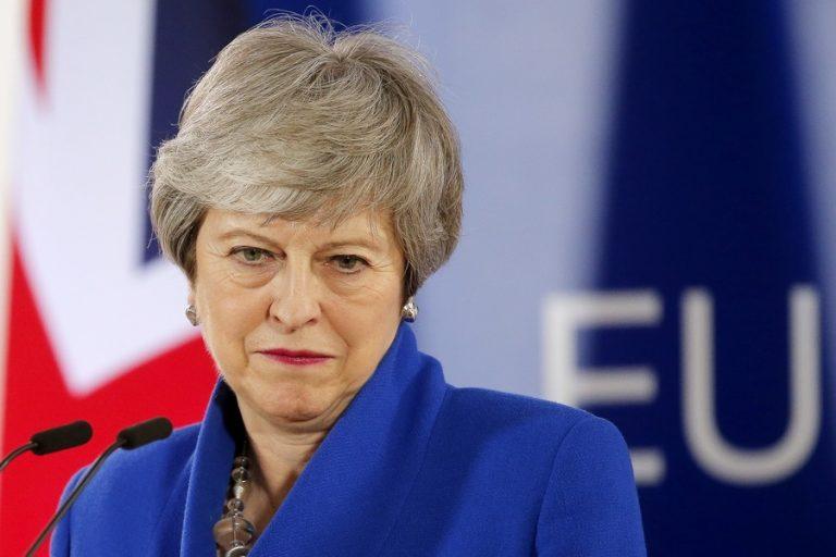 Τερέζα Mέι: Πρώτα συμφωνία για το Brexit, μετά δημοψήφισμα…