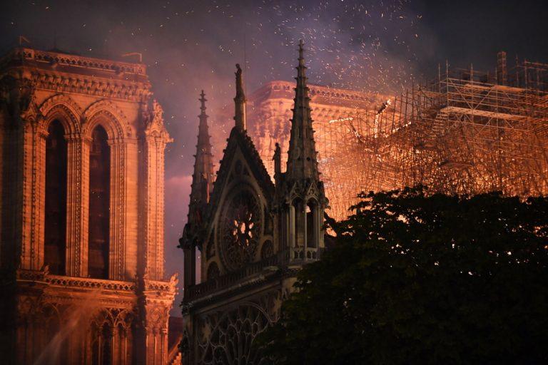 Δέκα διάσημα μνημεία που καταστράφηκαν από φωτιά