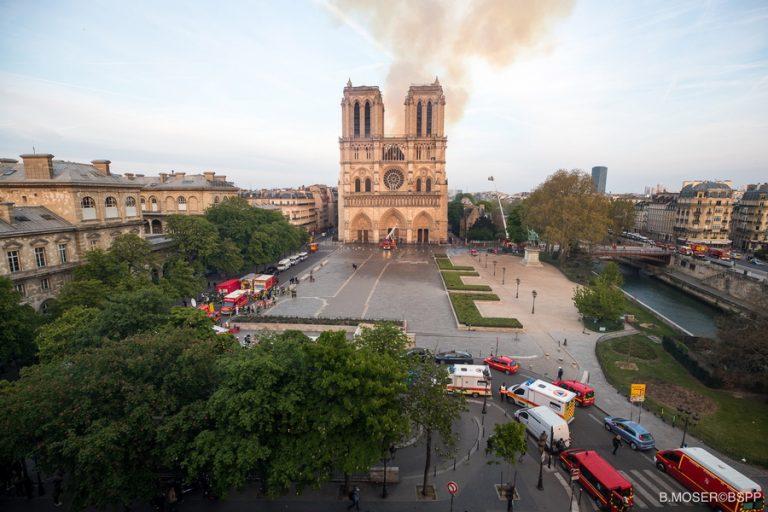 Διεθνής αρχιτεκτονικός διαγωνισμός θα διεξαχθεί για την Παναγία των Παρισίων