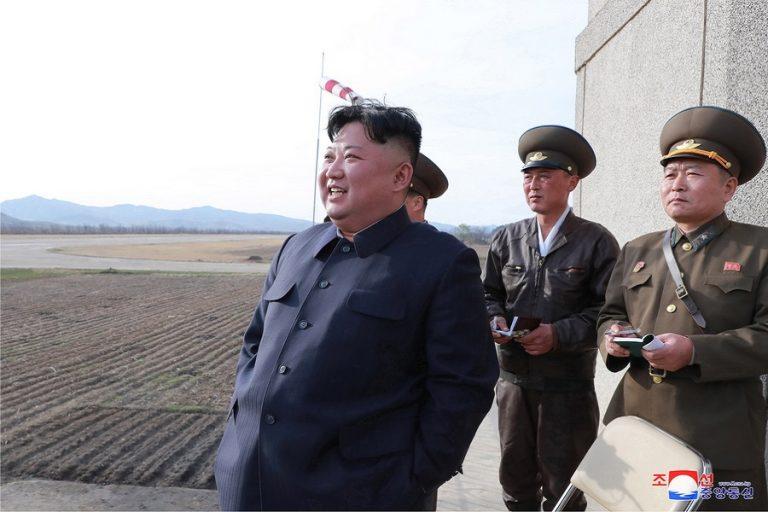 Δοκιμή νέου κατευθυνόμενου όπλου επέβλεψε ο Κιμ Γιονγκ Ουν (Βίντεο)