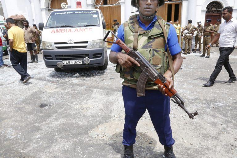 Εκρήξεις και ανταλλαγή πυρών στην ανατολική Σρι Λάνκα