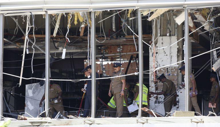 Ματωμένο Πάσχα στη Σρι Λάνκα: Εκατόμβη νεκρών από τις διαδοχικές επιθέσεις σε εκκλησίες και ξενοδοχεία