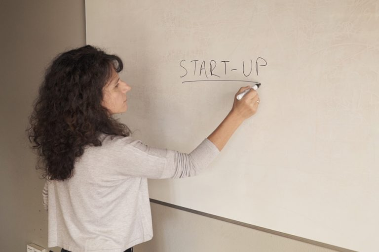 «Start-up Ελλάδα»: H νέα σειρά ντοκιμαντέρ της COSMOTE TV για την ελληνική επιχειρηματικότητα