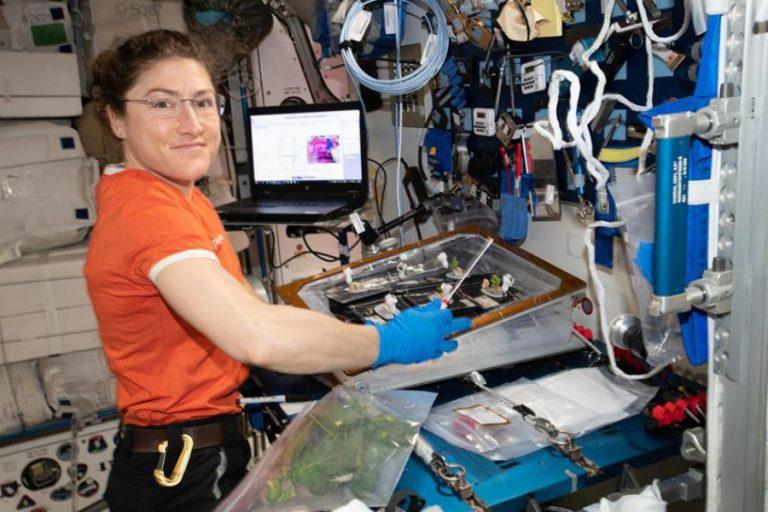 Γυναίκα αστροναύτης σπάει το παγκόσμιο ρεκόρ παραμονής στο διάστημα