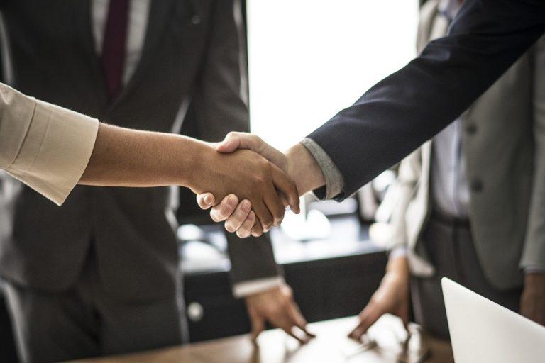 Πέντε τρόποι με τους οποίους οι εταιρείες μπορούν να δείξουν τη δέσμευσή τους υπέρ ενός καλύτερου κόσμου