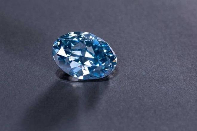 Σπάνιο μπλε διαμάντι 20 καρατίων εξορύχτηκε στην Μποτσουάνα (Βίντεο)