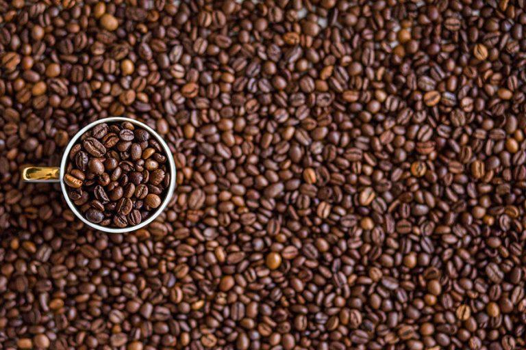 Οι τιμές του καφέ αυξάνονται καθώς οι πολικές θερμοκρασίες καταστρέφουν τις καλλιέργειες της Βραζιλίας