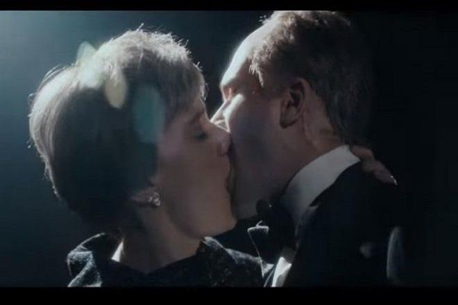 Όταν ο Τζον Σνόου φίλησε την… Τερέζα Μέι (Βίντεο)