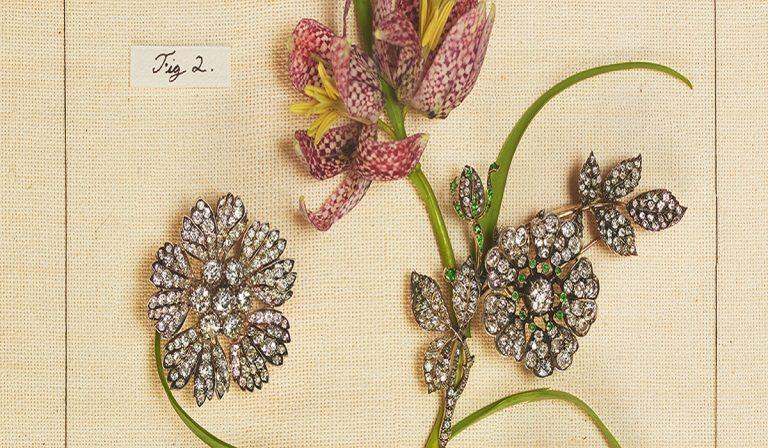 Ανακαλύψτε τη νέα έκθεση του Sotheby's με τα λουλουδένια…κοσμήματα