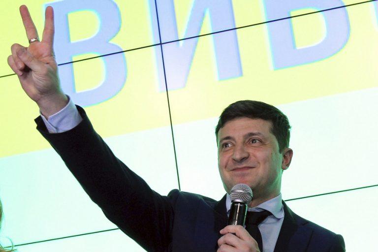 «Υπηρέτης του Λαού» – Πως ένας showman είναι μια ανάσα από την προεδρία της Ουκρανίας