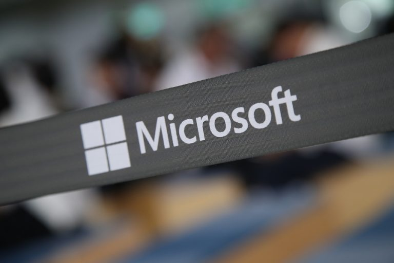 Η Microsoft πήρε άδεια να εξάγει λογισμικό στην Huawei
