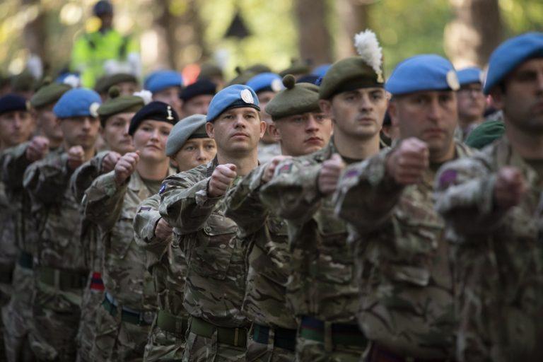 The Times: Η Βρετανία θα αποσύρει σχεδόν το σύνολο των στρατιωτών από το Αφγανιστάν