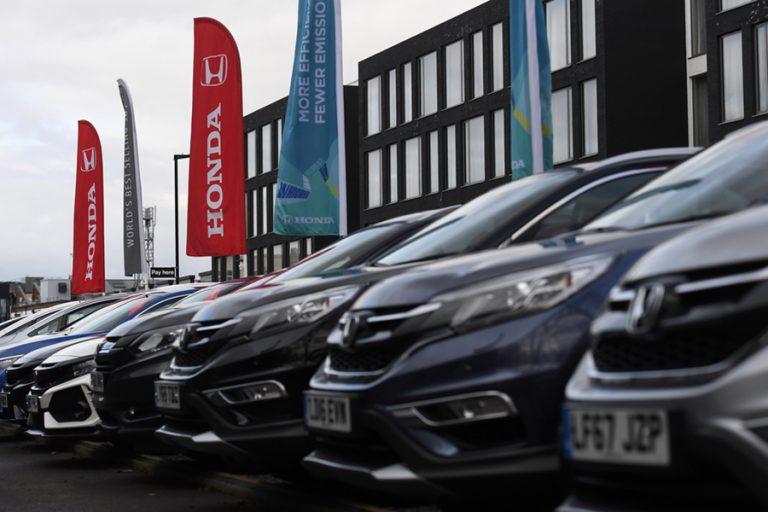 Κατάρρευση που ξεπερνά ακόμη και τη χρηματοπιστωτική κρίση του 2008 για τη βρετανική αυτοκινητοβιομηχανία