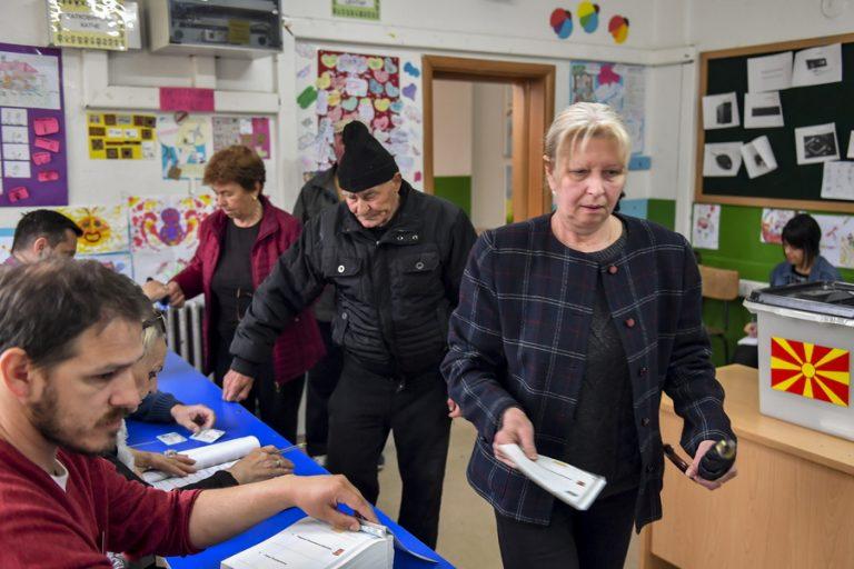 Δεύτερος γύρος προεδρικών εκλογών στη Βόρεια Μακεδονία – Μεγάλο στοίχημα η αποχή