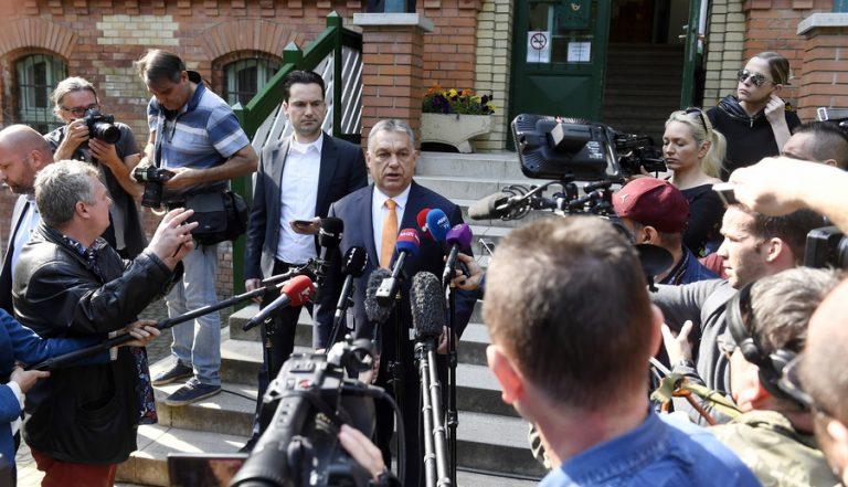 Ευρωεκλογές: Σαρωτική επικράτηση του ακροδεξιού Fidesz του Βίκτορ Ορμπάν στην Ουγγαρία