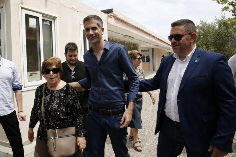 Πρωτιά Μπακογιάννη για τον δήμο Αθηναίων – Προβάδισμα του Ν. Ηλιόπουλου έναντι του Π. Γερουλάνου για τη δεύτερη θέση