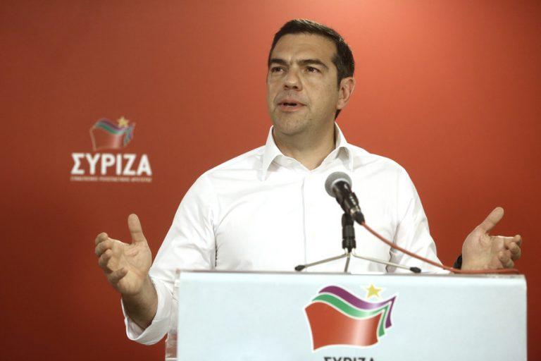 Spiegel: «Ο Τσίπρας χρειάζεται ένα θαύμα»