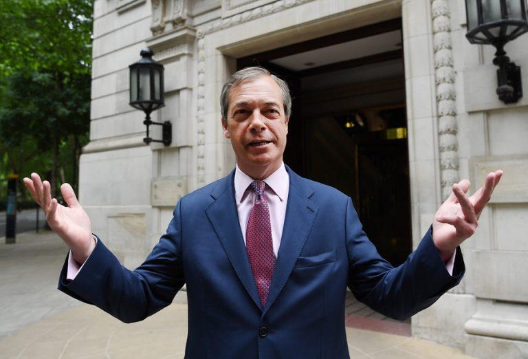 Θέση στο «τραπέζι» των διαπραγματεύσεων του Brexit ζητά ο Νάιτζελ Φάρατζ μετά τον θρίαμβό του στις Ευρωεκλογές