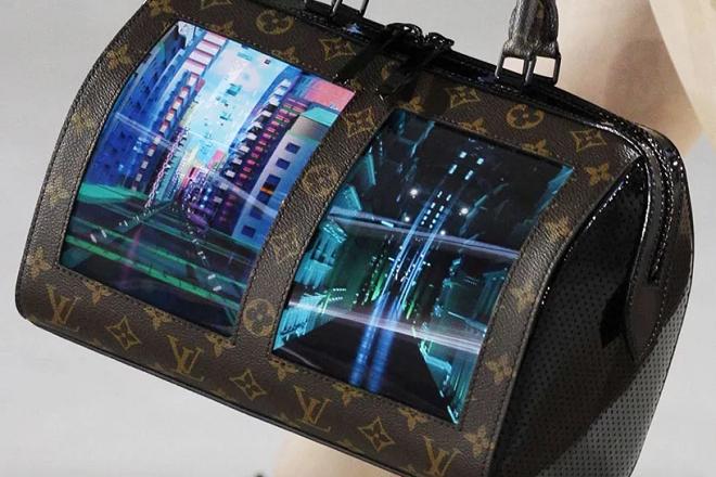 Οι νέες τσάντες της Louis Vuitton είναι εξοπλισμένες με… οθόνες OLED