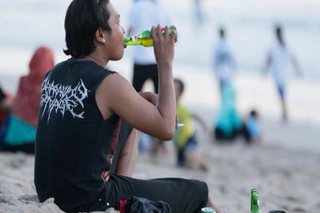 Αυξάνεται η κατανάλωση αλκοόλ παγκοσμίως – Πτωτική τάση στην Ελλάδα