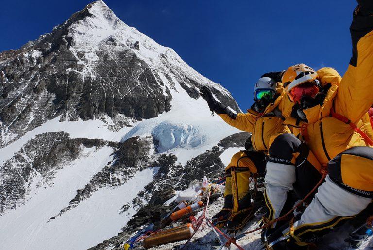 Χριστίνα Φλαμπούρη και Βανέσσα Αρχοντίδου: Έτσι καταφέραμε να φτάσουμε στην υψηλότερη κορυφή του κόσμου