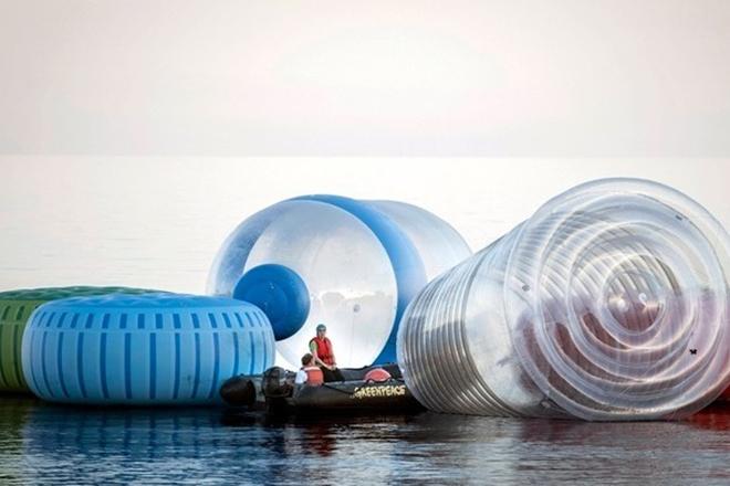 Πόσο… πλαστικό καταπίνουμε κάθε εβδομάδα;