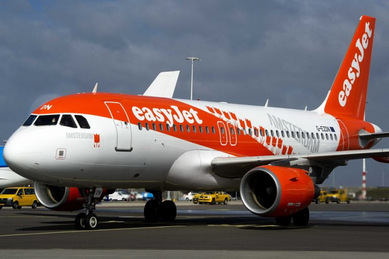 Μεγάλο deal EasyJet-Thomas Cook για τις χρονοθυρίδες αεροδρομίων σε Γκάτγουικ και Μπρίστολ