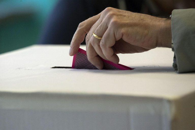 Ενισχυμένη η Λέγκα στις δημοτικές εκλογές της Ιταλίας