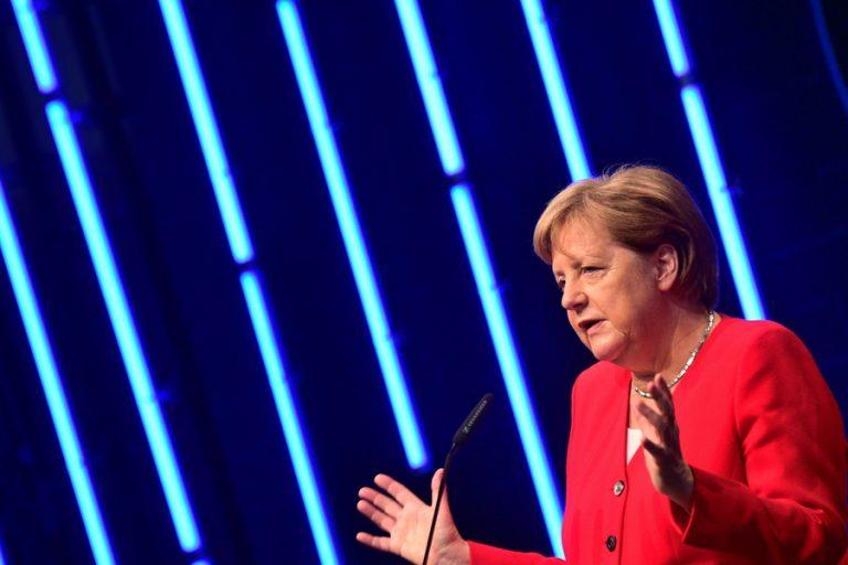 Μέρκελ σε Μέι: Καμία πιθανότητα αναδιαπραγμάτευσης του Brexit
