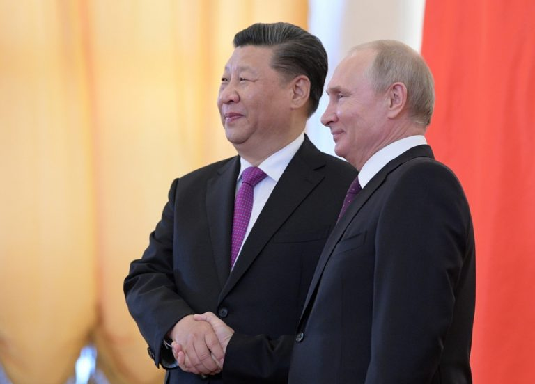 «Νέα εποχή» στις σχέσεις Ρωσίας και Κίνας ανακοίνωσαν Πούτιν και Σι Τζινπίνγκ