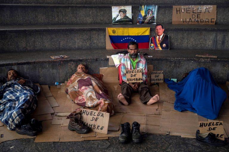 Η μαζική «έξοδος» από τη Βενεζουέλα συνεχίζεται