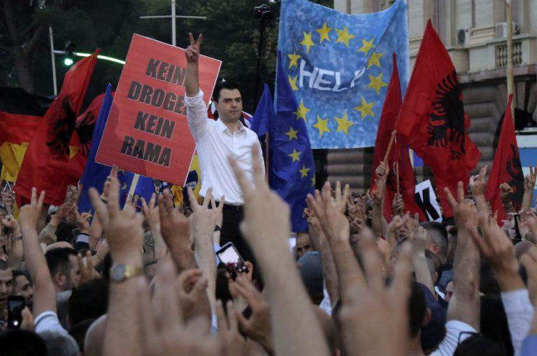 Χάος στην Αλβανία έπειτα από την ακύρωση των δημοτικών εκλογών