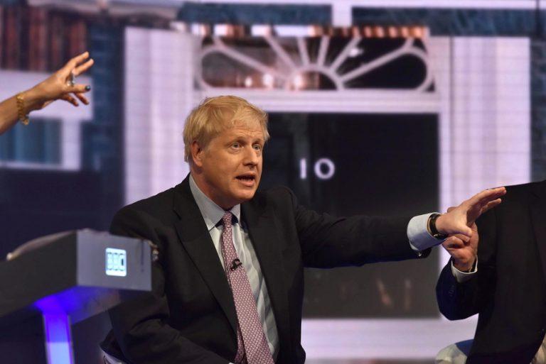 Μπόρις Τζόνσον: Τι πρέπει να γνωρίζουμε για τον άνθρωπο που (μάλλον) θα πάρει τις τύχες της Βρετανίας στα χέρια του